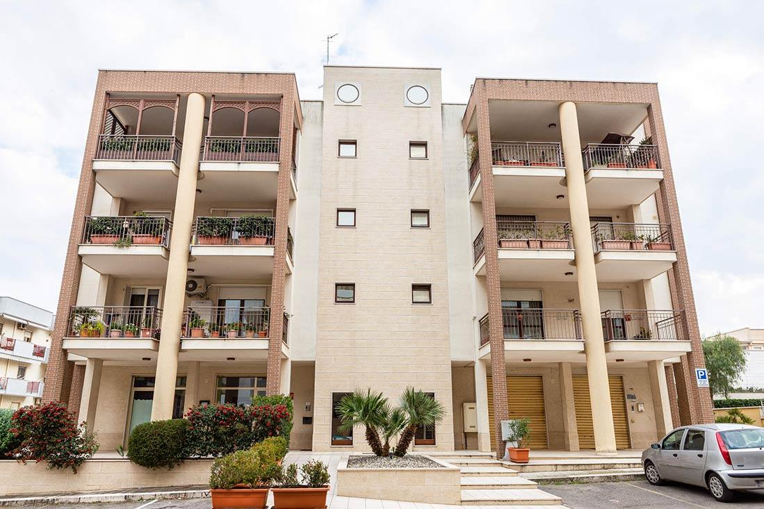 Edificio via Latorre